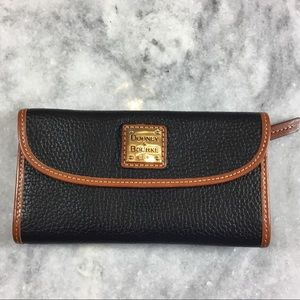 DOONEY AND BOURKE BLACK LEATHER WALLET